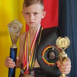 Vladimir gewinnt Titelkampf